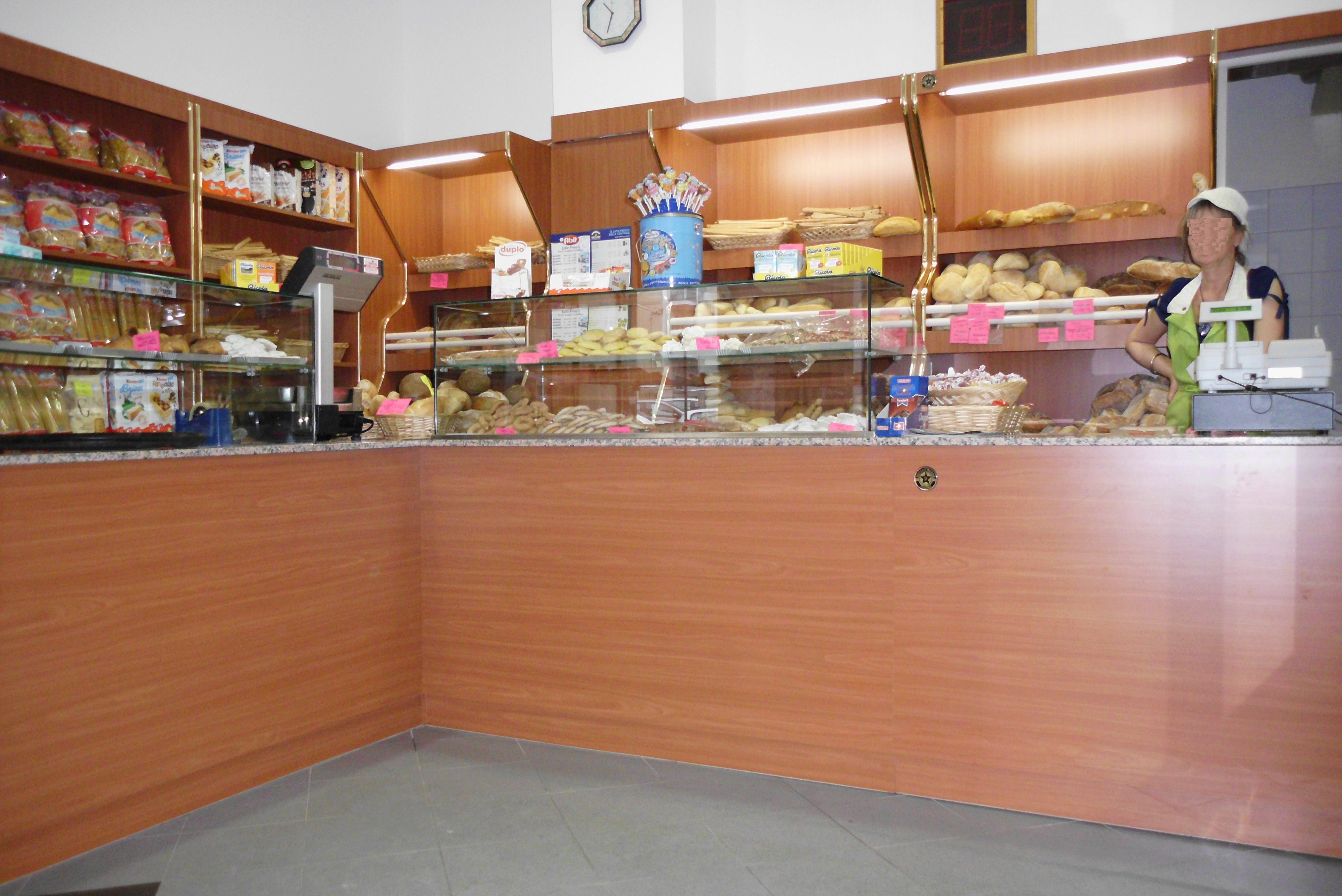 Arredamenti per panetterie compra in fabbrica vedi for Arredamento panetteria